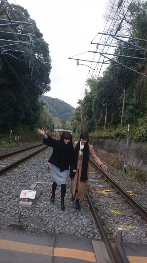 松本伊代 線路2.jpg